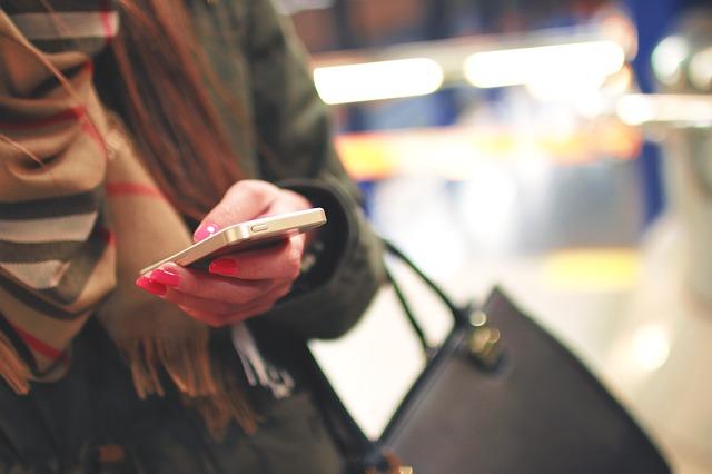 texting photo